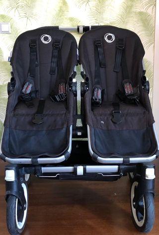 Bugaboo Donkey duo con 2 sillas y un capazo.