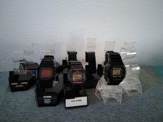 SoportesExpositor Mano Hermanas Dos Relojes Segunda De Casio En N0vnwm8