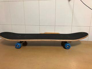 Skate casi nuevo con apenas un uso.
