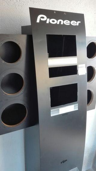 Mueble expositivo de radios Pioneer