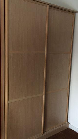 Armario puertas correderas de segunda mano en wallapop for Puertas correderas exteriores segunda mano