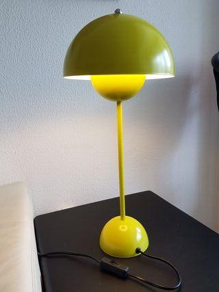 Preciosa lámpara de sobremesa estilo vintage