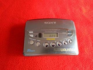 WALKMAN SONY CASSETTE + RADIO
