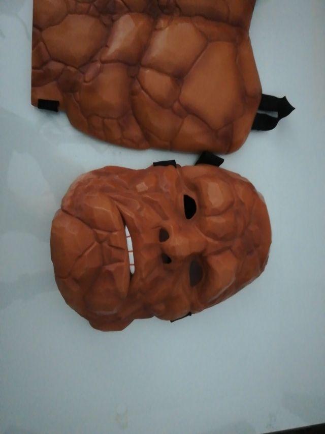 peto y mascara hombre de piedra los 4 fantásticos