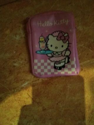 monedero de chica con Hello Kitty