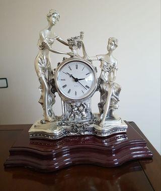 Reloj Escultura plata clásico nuevo