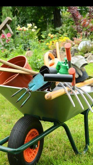 Jardinero mantenimiento integral viviendas.
