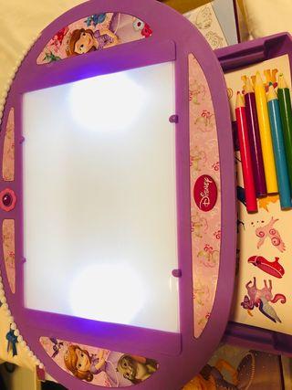 Juego Disney Sofia para calcar dibujos con luz