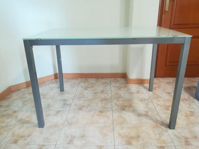 Mesa cocina de segunda mano por 25 € en Zaragoza en WALLAPOP