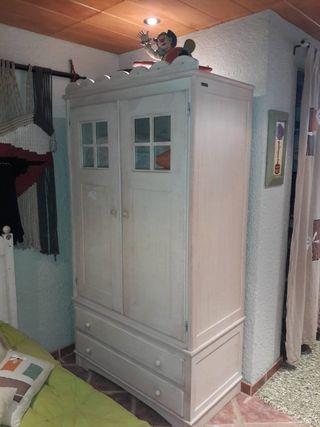 armario de habitacion juvenil blanco roto o color