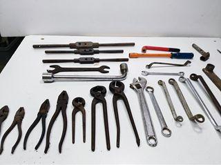 herramienta antigua