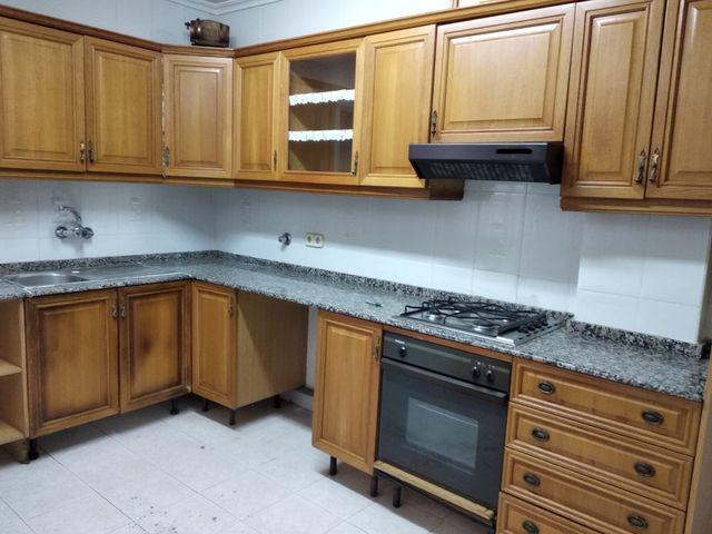Muebles cocina. de segunda mano por 450 € en Paiporta en WALLAPOP