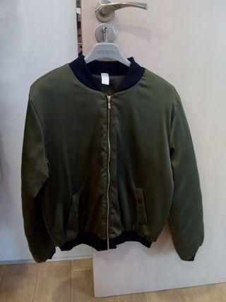 Bomber verde militar