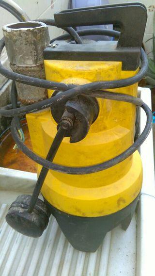 Instalación bomba de agua eléctrica sumergible