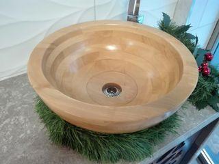 lavabo sobre encimera de madera