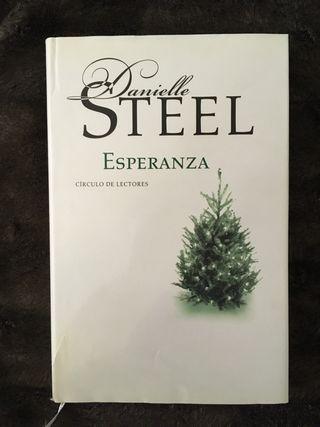 """Lote de libros de la autora """"Danielle Steel"""""""
