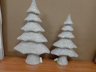 lote dos árboles 62 x 31 y 43 x 23 cm.con esferas
