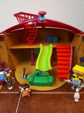 Casa fanboy y ChumChum con 3 muñecos