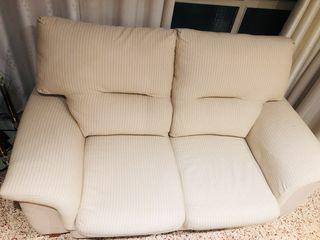 Vendo dos sofas.