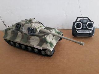 Tanque militar 30 cm. luz y sonido
