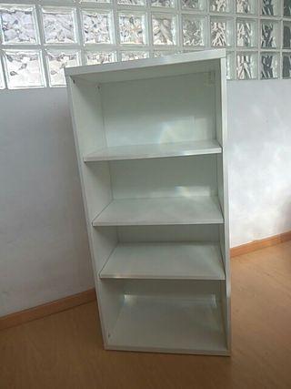 librería de Ikea