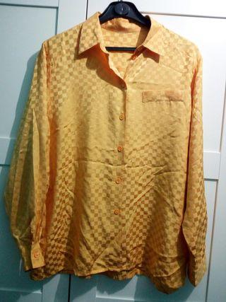 Camisa color mostaza