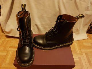 Dr Martens 1460 Vintage Unisex Boots