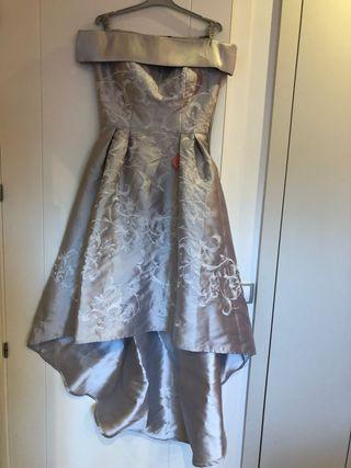 Vestido de fiesta espectacular en gris perla