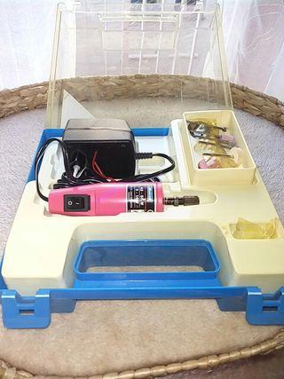 Mini taladradora con maletín marca maxicraft