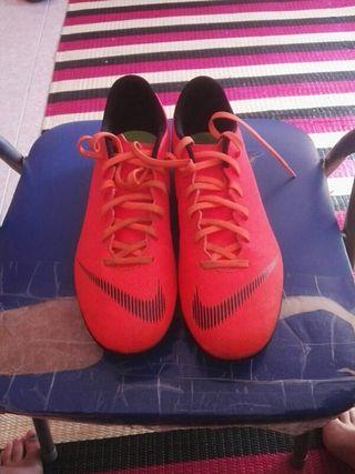 botas de futbol talla 44