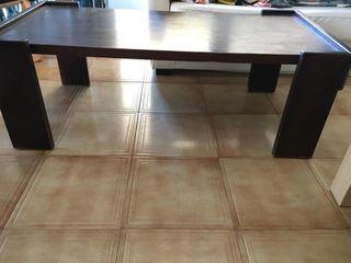 mesa pequeña de salón