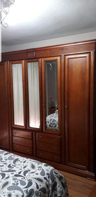 armario y cama