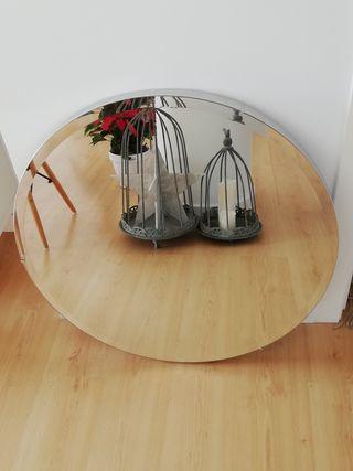 Espejo de Ikea.