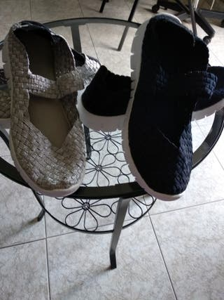 zapatillas nuevas.(las dos 6 euros)