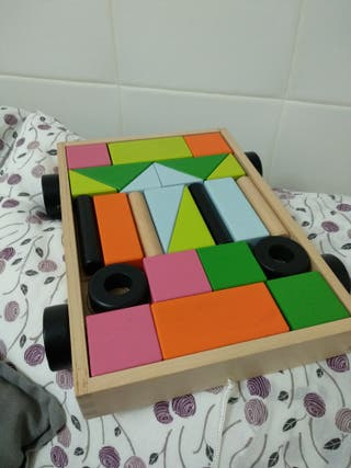juegos de madera nuevos.