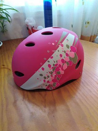 casco patines o bicicleta