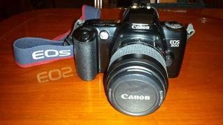 Cámara fotos Reflex Canon EOS 500. Analógica.