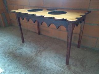Mesa para vasijas artesanal