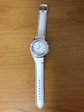 Reloj blanco MAREA