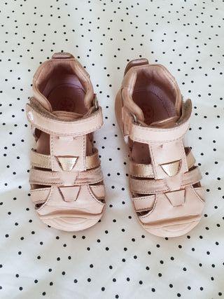 Zapatos niña Biomecanics. N21