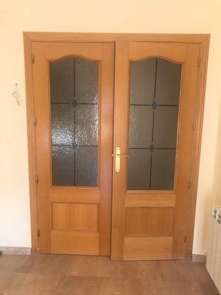 Puertas de madera nuevas