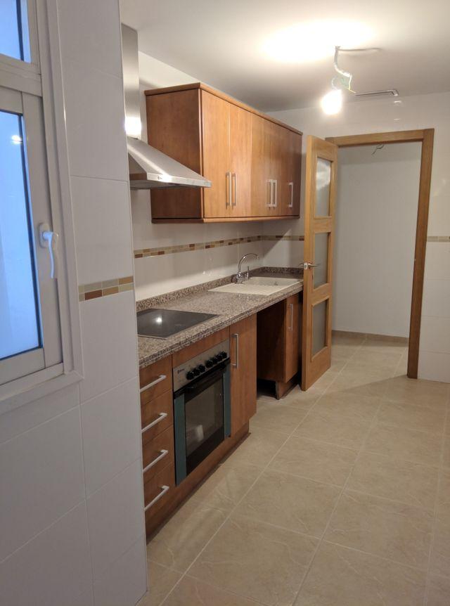 Muebles de cocina nuevos de segunda mano por 350 € en Alicante en ...