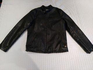 Cazadora, chaqueta cuero nueva.