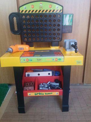 pack de mesa de herramientas y piano