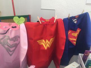 Capas con su antifaz ,superhéroes