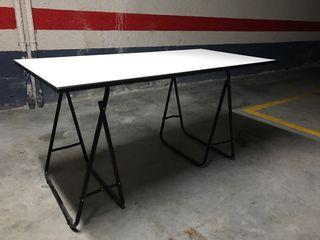 Mesa con caballetes 140x70