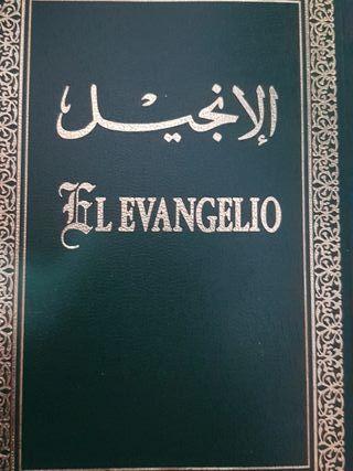 se venden libros árabe