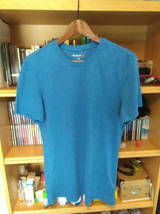 Pack 2 camisetas Fitness o Crossfit. Reebok y +