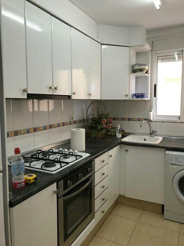 Muebles de cocina color blanco de segunda mano por 450 € en Gandía ...