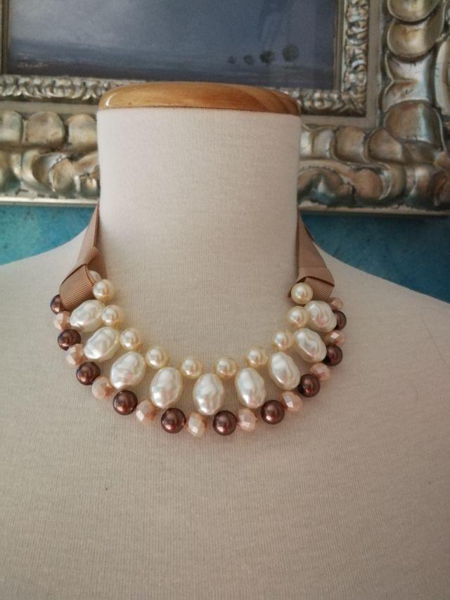 d0175b750a85 Gargantilla perlas ajustable beiges de segunda mano por 30 € en ...